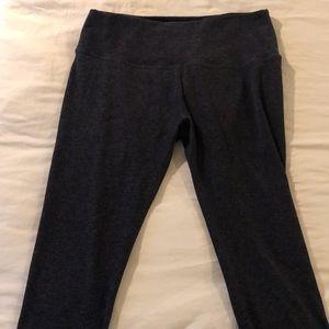 Black Beyond Yoga XXL Capri Yoga Pants